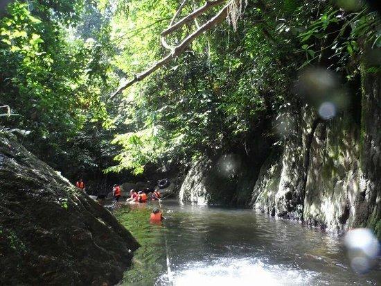 Tanah Aina Farrah Soraya Resort : Trekking through the jungle/river..