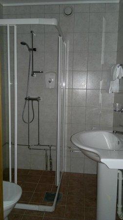 Sanner Hotell: Bad på rommet