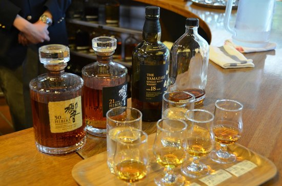 Suntory Yamazaki Distillery: Optional tasting