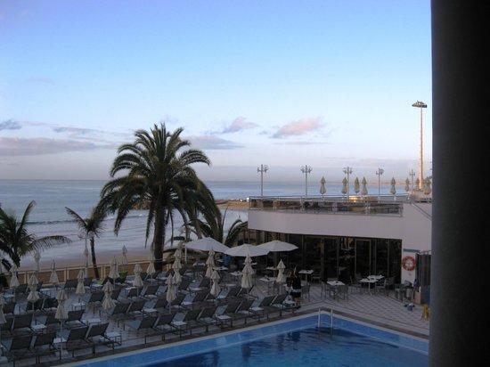 Dunas Don Gregory: Pool terrace,restaurant and sun terrace above.
