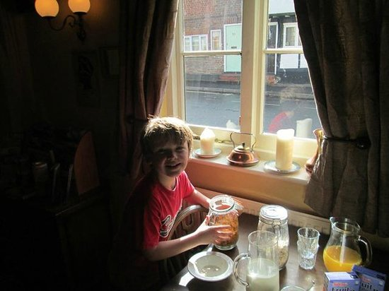 The Fat Fox Inn: Getting Breakfast Ready