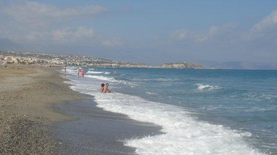 Grecotel Creta Palace Hotel: Der Strand