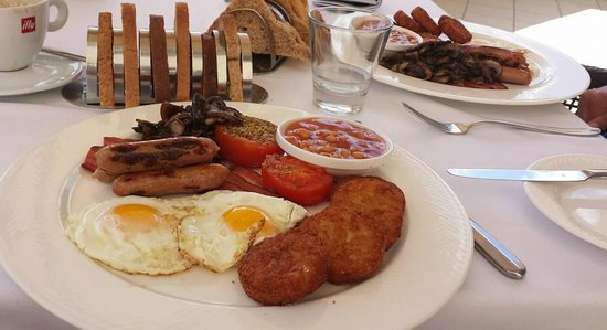 Le Meridien St. Julians: Delicious English breakfast!