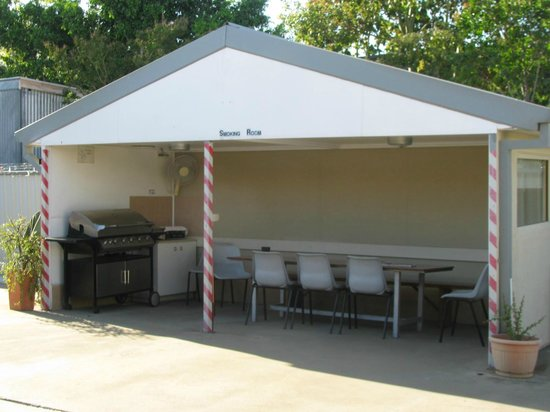 Bondi Motel BBQ and smoking area & BBQ and smoking area - Picture of Bondi Motel Moree - TripAdvisor