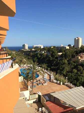 View of the hotel from the sports pool - Picture of HSM Canarios Park, Calas de Majorca ...