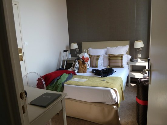 Best Western Hotel Le Donjon: Room