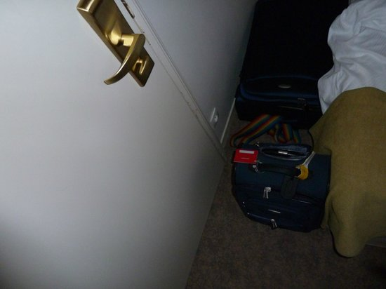 BEST WESTERN Hotel le Donjon : Door to bed, with a carryon bag!