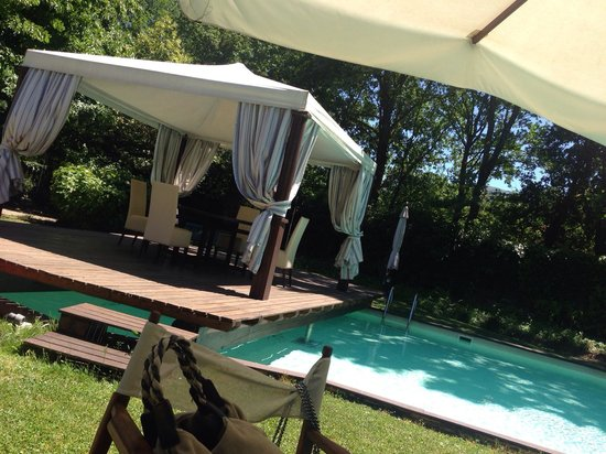 ristorante Gazebo: Il gazebo sulla piscina