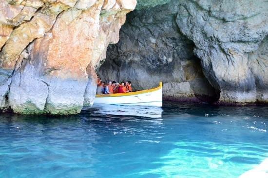 Blue Grotto (Il-Hnejja) : short trip - 20 min max but beautiful