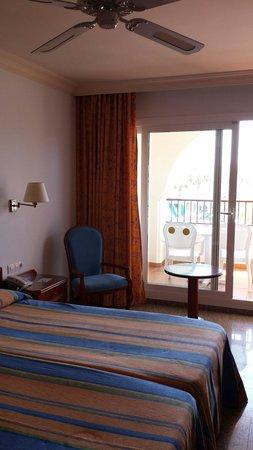 Hotel Mac Puerto Marina Benalmadena: Room 308