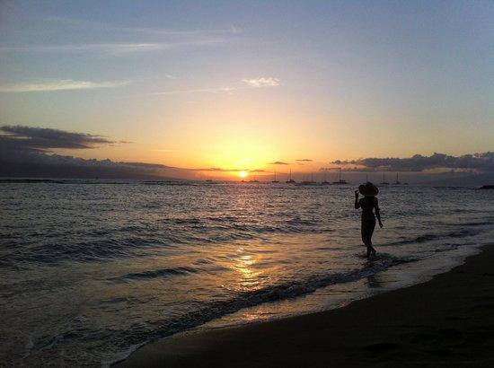 The Tiki Hale: Sunset on closest beach
