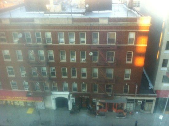Holiday Inn L.I. City - Manhattan View: Aussicht zum Deli