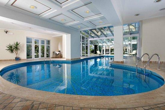 Hotel Girlanerhof: Poolbereich