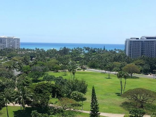 Luana Waikiki Hotel & Suites: View from 10th floor partial ocean view room