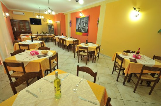 La Bruschetta Pizzeria Trattoria: sala interna