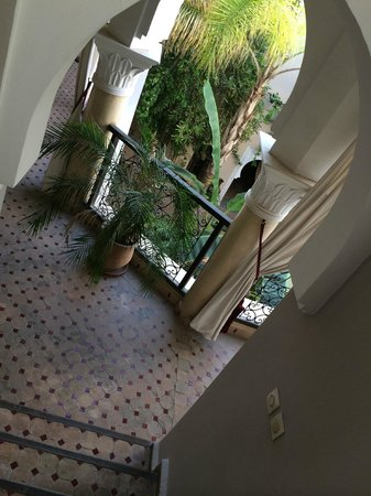 Riad Nabila : Stairs from rooftop terrace