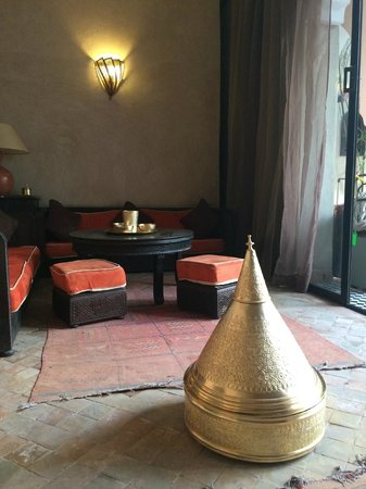 Riad Nabila: Where they serve you Moroccan mint tea!