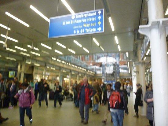 King's Cross Station: アンダーグランド キングスクロス駅内