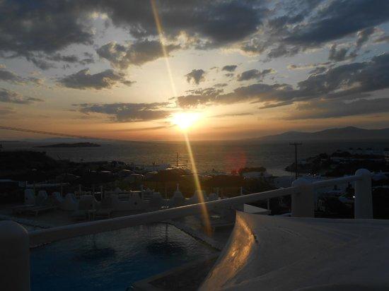 Ilio Maris Hotel: Sunset