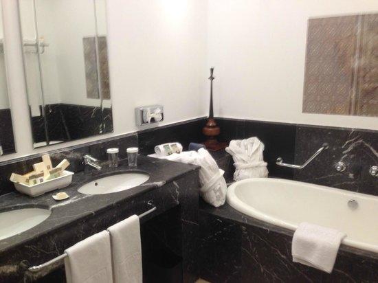 Hotel Vincci Seleccion Estrella del Mar: Bathroom