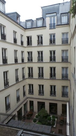Mercure Paris Opera Garnier : Courtyard