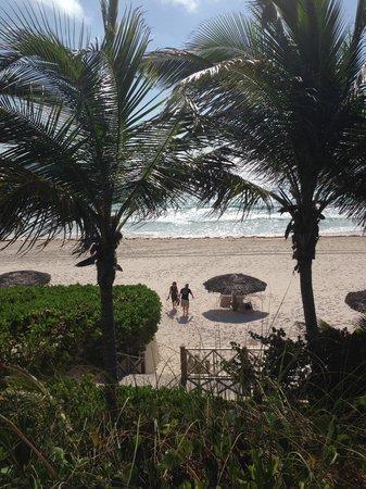 Coral Sands Hotel: Ahhhhh the beach.....