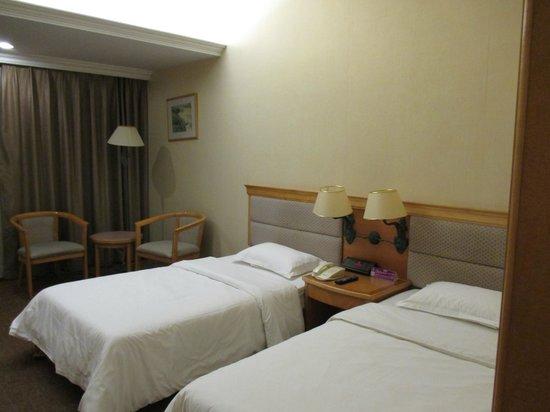 New Century Hotel: 普通の部屋