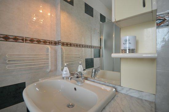 Hotel Residenza delle Alpi : Dettaglio bagno