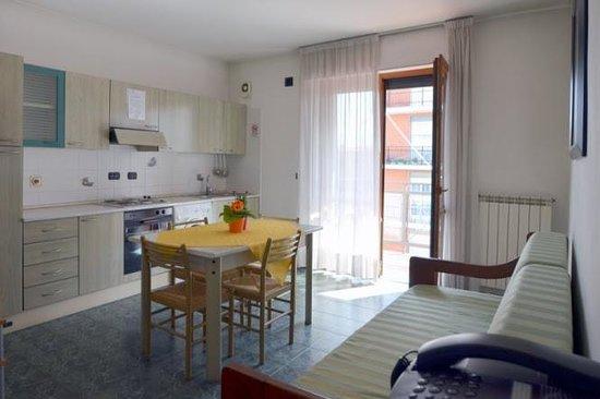 Hotel Residenza delle Alpi : Cucina / soggiorno