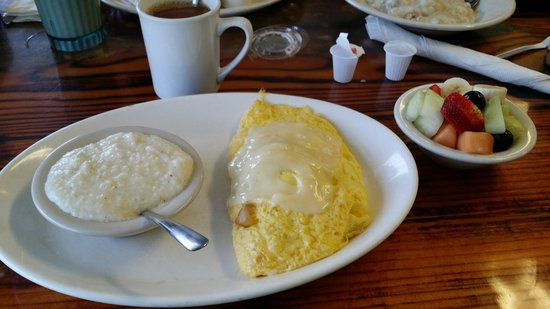 Cortez Cafe: Philly cheese steak omelette.