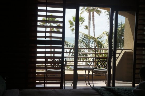 Pacific Terrace Hotel: From room to balcony and beyond