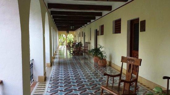 Hotel Hacienda Uxmal Plantation & Museum: Hallway