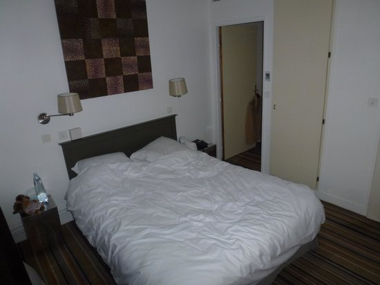 Mercure Paris Bastille Saint Antoine: Le lit de la chambre 405