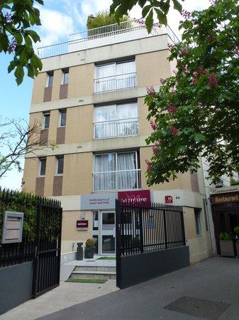 Mercure Paris Bastille Saint Antoine: L'entrée de l'hôtel