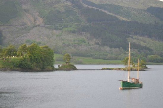 Isles of Glencoe Hotel & Leisure Centre: Loch Leven from our room