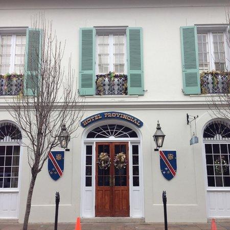 Hotel Provincial: Hotel Entrance
