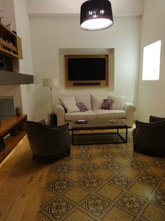 Palma Suites: living room