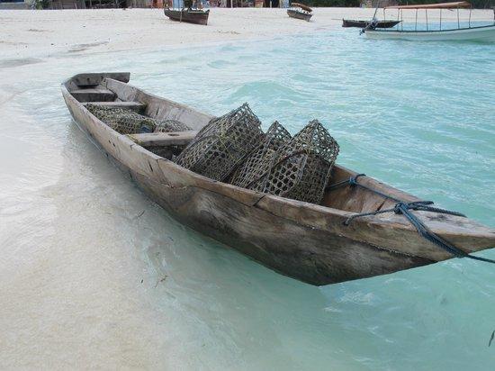 Hideaway of Nungwi Resort & Spa: NICE WALKS ON THE BEACH