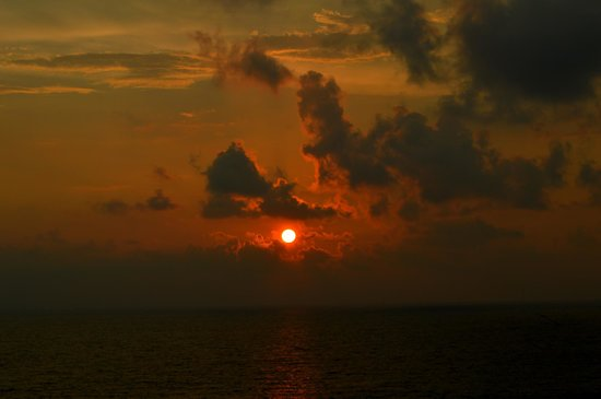 Taj Samudra Colombo: Sunset view from Balcony