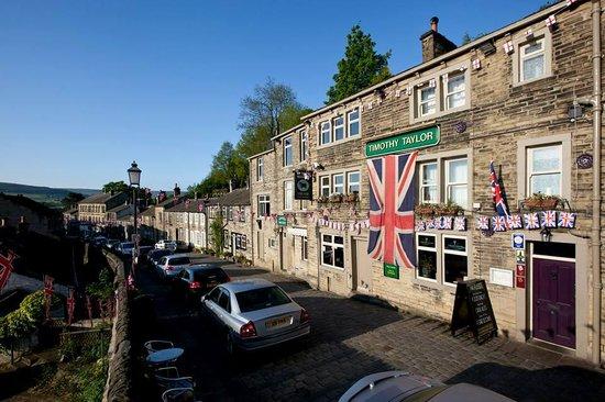 The Fleece Inn: 40's