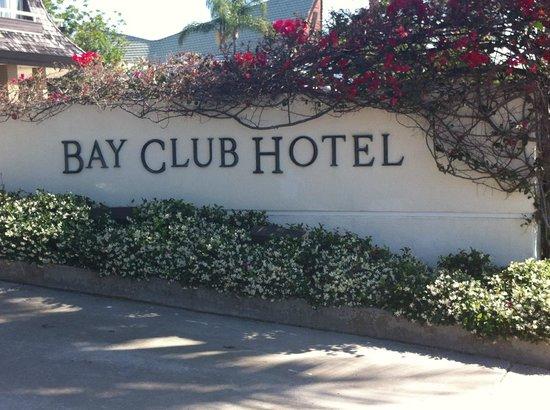Bay Club Hotel & Marina: Driveway