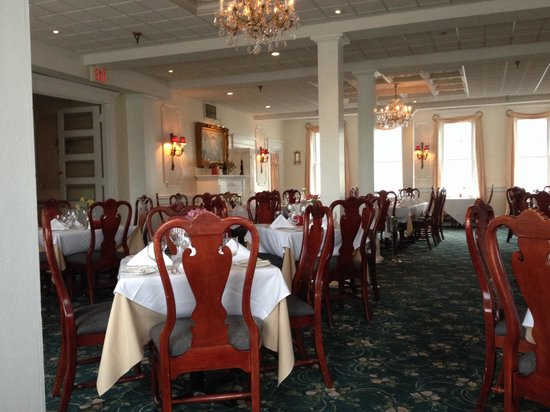Union Park Dining Room : Beautiful dining room. We were the first patrons.