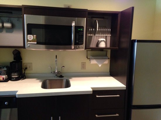 Home2 Suites by Hilton Pittsburgh / McCandless, PA: Lovely, clean kitchenette with dishes & utensils. Portable cook top available too.