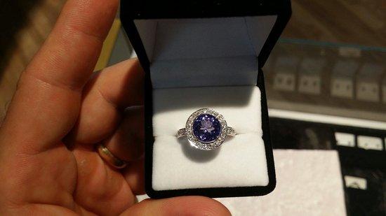 Whitsunday Opals: Custom made ladies tanzanite and diamond white gold ring