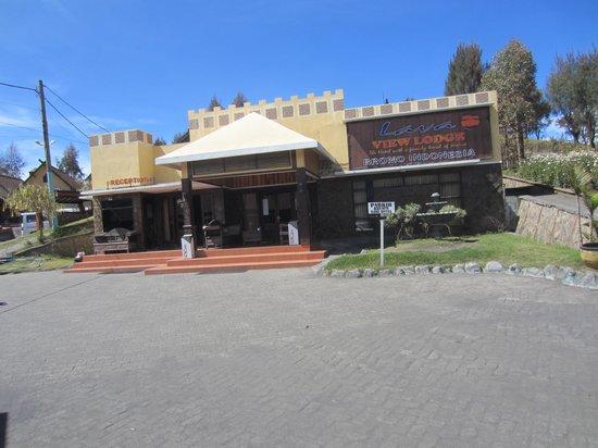 Lava View Lodge : zicht op de receptie