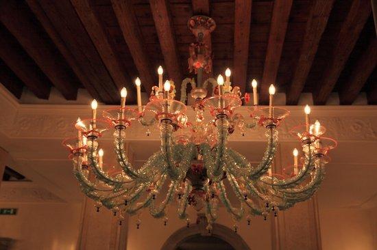 Bellini Venezia : люстра на ресепшн
