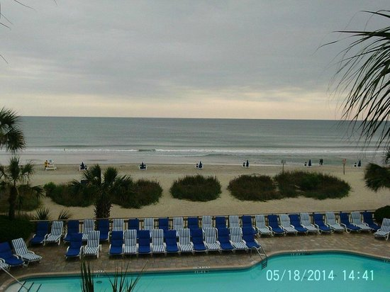 Coral Beach Resort & Suites: Ocean View From Balcony