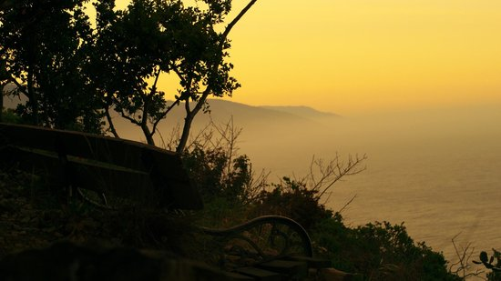 Deetjen's Big Sur Inn: View from bench at top of hill