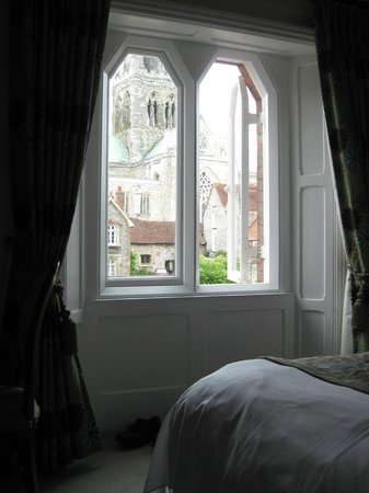4 Canon Lane: View across bedroom towards Cathedral