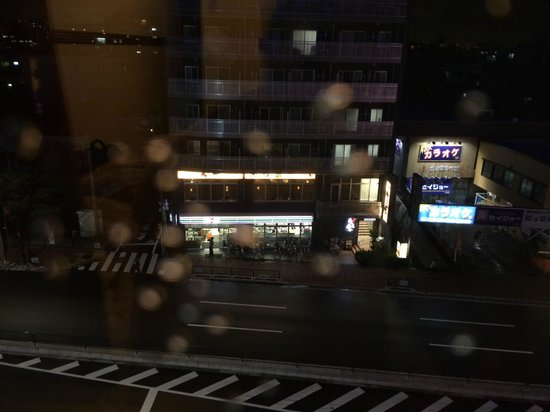 Toyoko Inn Haneda Airport 1: 7-11 across the street, food & drinks available there